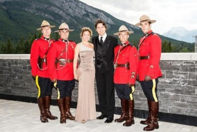 justin-sophie-canadian-mounties